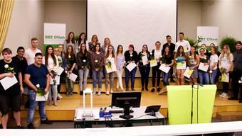 34 Lernende des Berufsbildungszentrums BBZ Olten erhielten eine Auszeichnung.