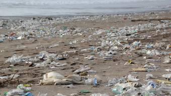 Im ägyptischen Badeort Hurghada  ist seit letzten Juni der Gebrauch von Wegwerf-Plastik verboten. (Symbolbild)