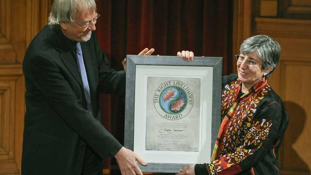 Die Ärztin Sima Samar aus Afghanistan erhält den Alternativen Nobelpreis