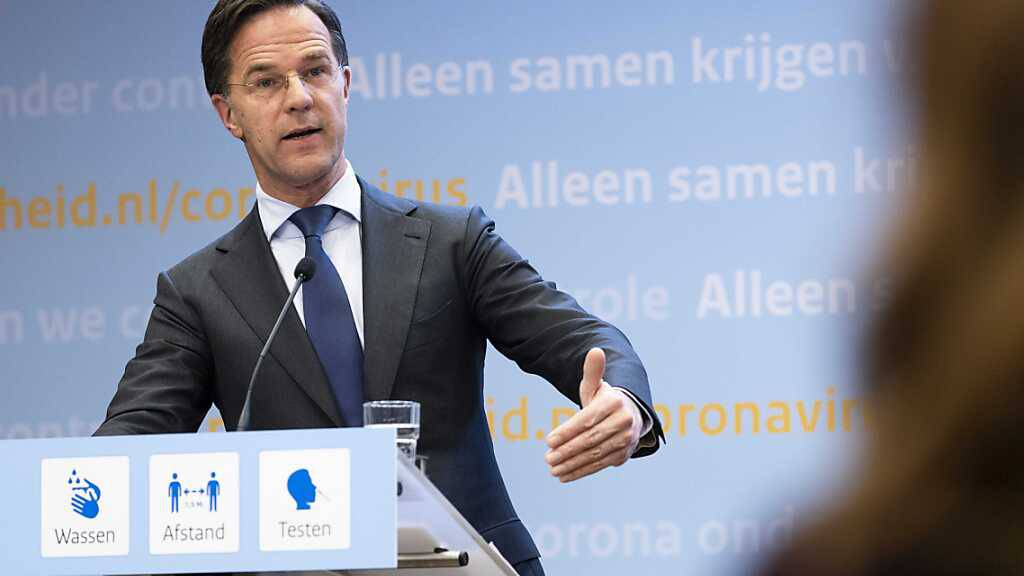 Mark Rutte, Ministerpräsident der Niederlande, spricht bei einer Pressekonferenz zu Maßnahmen zur Eindämmung der Corona-Pandemie. Foto: Sem Van Der Wal/ANP/dpa