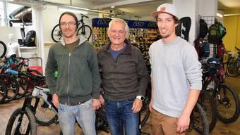 Im «No Limit» zu arbeiten, sei mehr als ein Job, sagt Roland Hunziker (Mitte), hier mit Alvin de Groot (l.) und Andi Wernli.