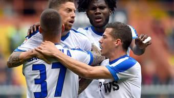 Remo Freuler (ganz rechts) mit Atalanta weiterhin im Hoch: 5:0-Sieg bei Genoa