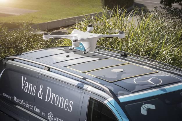 Mercedes Vito als Landeplatz für die Drohne.