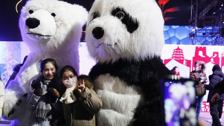 «Wer zuletzt lacht...» lautet der Titel der neuen Kolumne von Martin von Aesch in der «Limmattaler Zeitung». In der ersten Folge kommen auch Pandas vor.