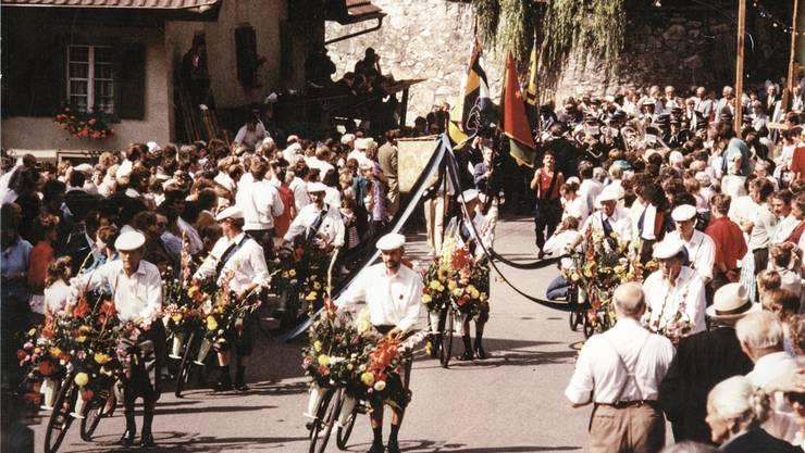 Historisches Vorbild: So sah der Blumen-Corso 1986 aus.