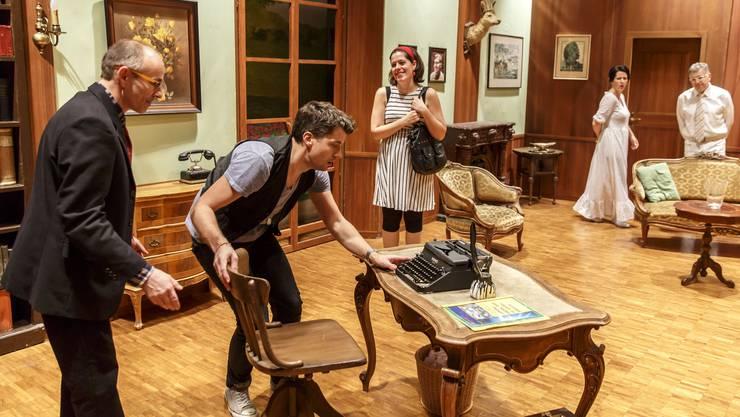 Probe der Theaterbühne Gerlafingen auf der Bühne der Halle in Oekingen.