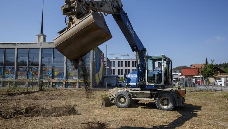 Der Neubau von Derendingen Mitte wirft seine finanziellen Schatten. Hier ein Bild vom Spatenstich.