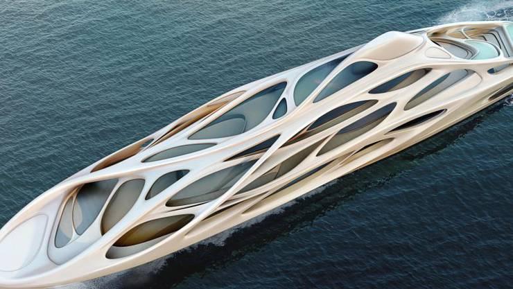 Das 128 Meter lange Mutterschiff.