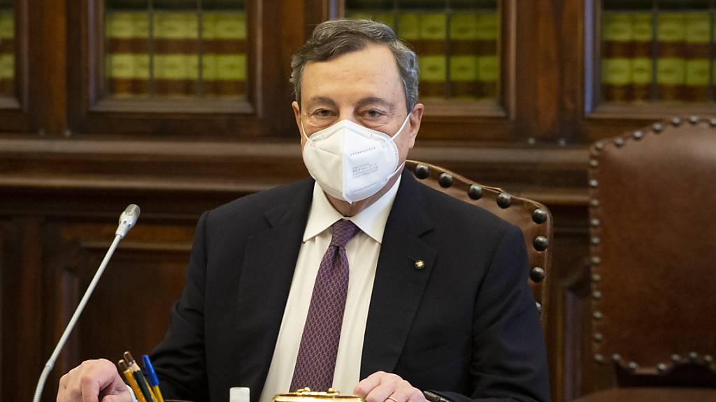 Mario Draghi hatte vor rund einer Woche unter Vorbehalt den Auftrag zur Regierungsbildung von Staatspräsident Sergio Mattarella angenommen. Foto: Fabrizio Corradetti/SOPA Images via ZUMA Wire/dpa