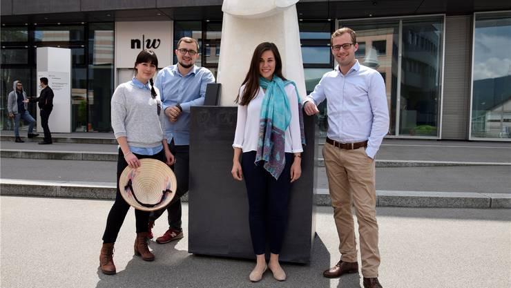 Von links: Ellen Spinnler, Haris Besic, Selina Widmer und Olivier Meyer vor der Fachhochschule Nordwestschweiz in Olten.