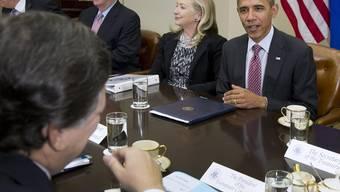 Barack Obama (r.) im Gesprächmit EU-Kommissionspräsident José Manuel Barroso (v.)