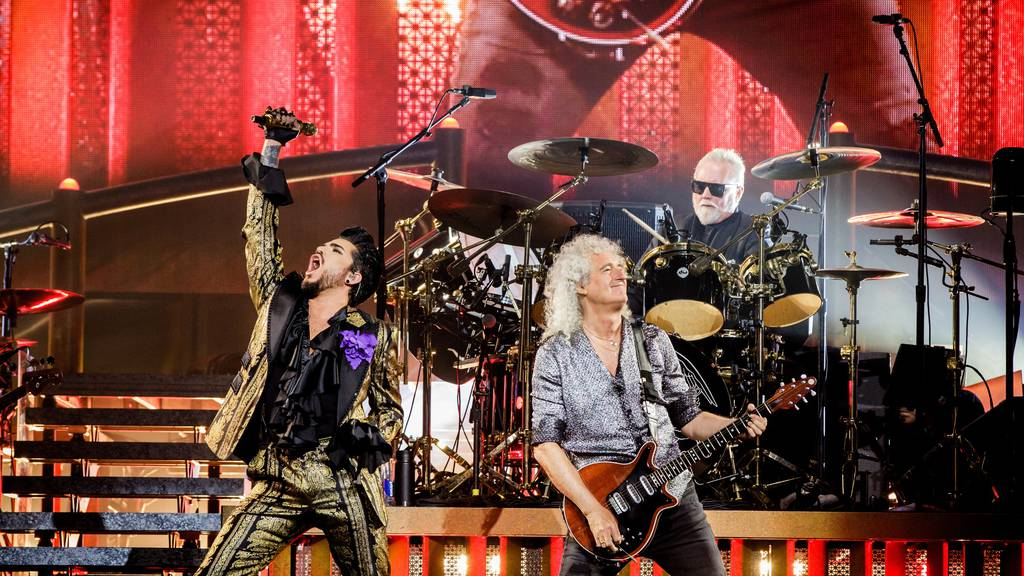Queen + Adam Lambert singen: «You Are The Champions»