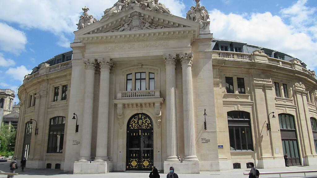 PRODUKTION - Das neue Pariser Museum des französischen Milliardärs François Pinault liegt zwischen dem Louvre und dem Centre Pompidou in Paris. Foto: Sabine Glaubitz/dpa