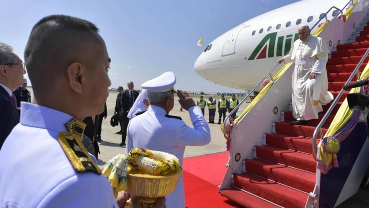 Der Papst ist für einen dreitägigen Besuch im mehrheitlich buddhistische  Thailand.