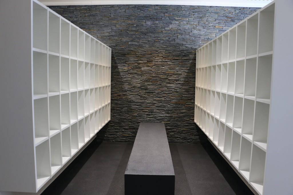 Der Eingangsbereich ist nun eine Garderobe und nicht mehr ein Empfang. (© FM1Today/NinaMüller)
