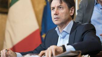 Die populistische Fünf-Sterne-Bewegung in Italien lässt ihre Parteimitglieder über eine Koalition mit den Sozialdemokraten (PD) und damit über Giuseppe Conte als Ministerpräsident des Landes abstimmen.
