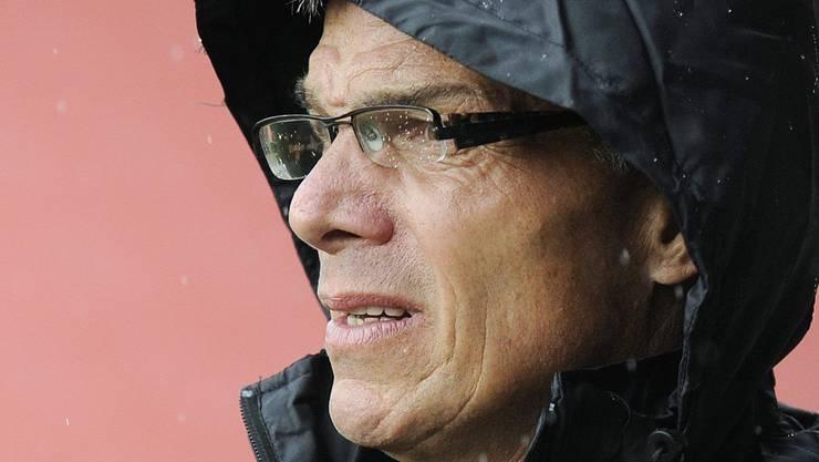 Steht im Regen: Philippe Perret. key