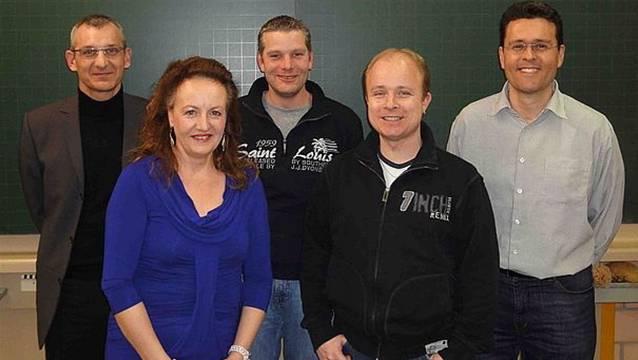 Thomas Ziehli (Mitte) nimmt die Wahl nicht an. Es bleiben Georges Brandenberg, Brigitte Frehner, Markus Hugentobler und Peter Preisig (v.l.)