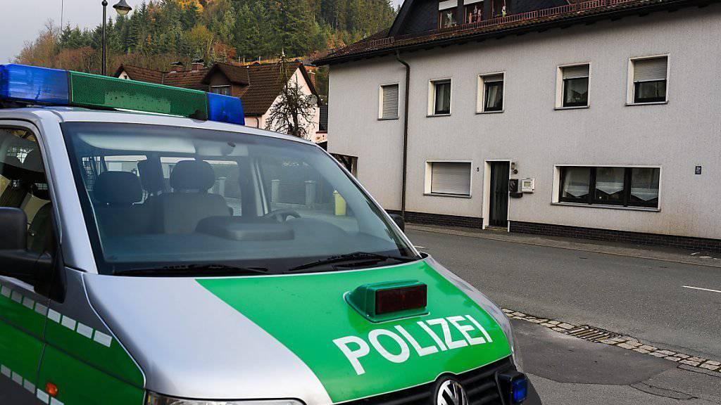 In diesem unauffälligen Haus im oberfränkischen Wallenfels wurden acht Babyleichen gefunden.