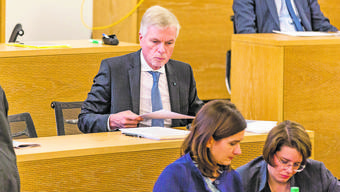 Ratsdoyen Herbert H. Scholl im Grossen Rat (vor ihm Neo-Nationalrätin Maja Riniker und Jeanine Glarner, alle drei FDP).