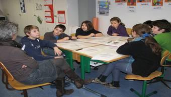 Lebhafte Diskussion im Scherzer Schulunterricht. EF./AZ-Archiv