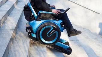 Der treppensteigende Rollstuhl von Scewo gewinnt den ZKB Pionierpreis.