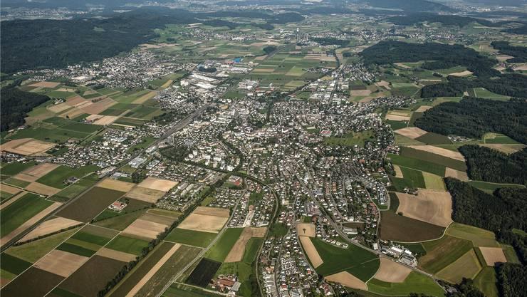 Die Region Bünztal: Im Vordergrund die Gemeinde Wohlen, die in den neuen Satzungen als Sitz des Repla definiert ist.