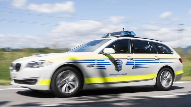Am Dienstagabend rückte die Kantonspolizei Aargau aus, nachdem die Partnerin des in Suhr erschossenen Mannes Drohungen ausgesprochen hatte. (Symbolbild)