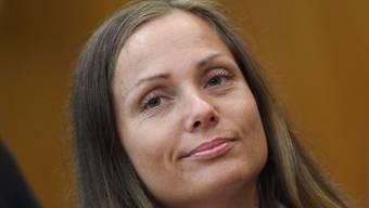 Sieht aus, als wäre Ewa Malanda, genannt Schwesta Ewa, eine echte Gangsta Rapperin: Zusätzlich zu einem Verfahren unter anderem wegen 35-facher Körperverletzung wird sie jetzt der Verleumdung angeklagt: Sie wirft einem Gefängniswärter offenbar zu Unrecht vor, sie sexuell belästigt zu haben. (Archiv)
