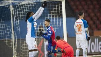 Ein ratloses GC: FCB-Stürmer Ricky van Wolfswinkel trifft zum zwischenzeitlichen 3:0.
