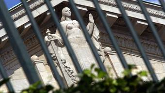 Bieler Ex-Spitaldirektor wegen Unregelmässigkeiten vor Gericht (Symbolbild)