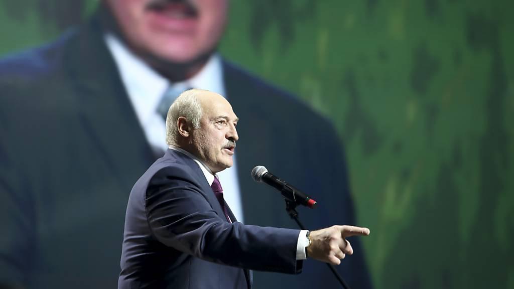 Lukaschenko weitet Militärmanöver aus