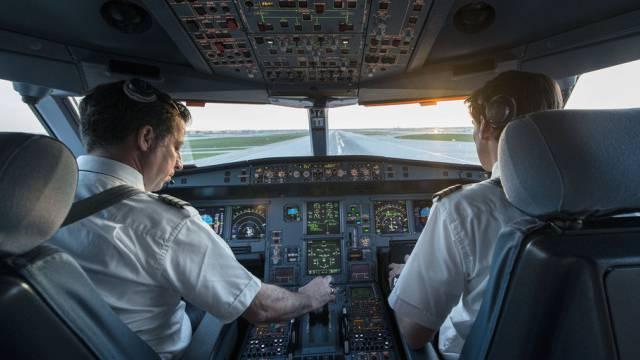 Zwei Swiss-Piloten vor einem Flug (Symbolbild)