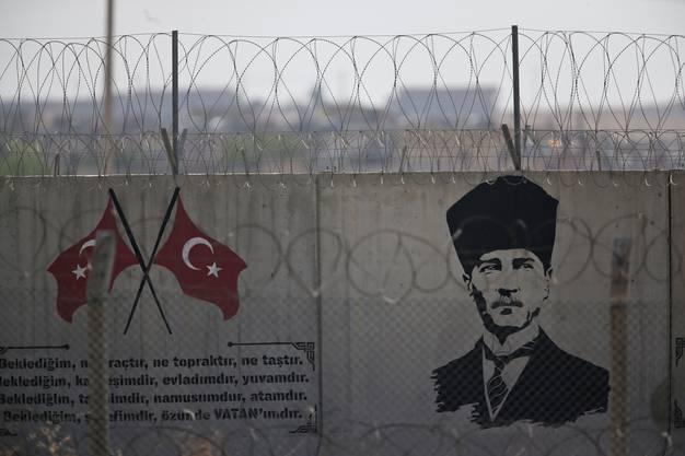 Graffiti von Kemal Ataturk, dem Gründer der modernen Türkei, an der Grenze zu Syrien.