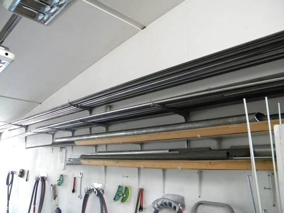 Der Bau des Velos beginnt mit dem Rahmen, der aus Stahlrohren verschiedener Stärke zusammengebaut wird.