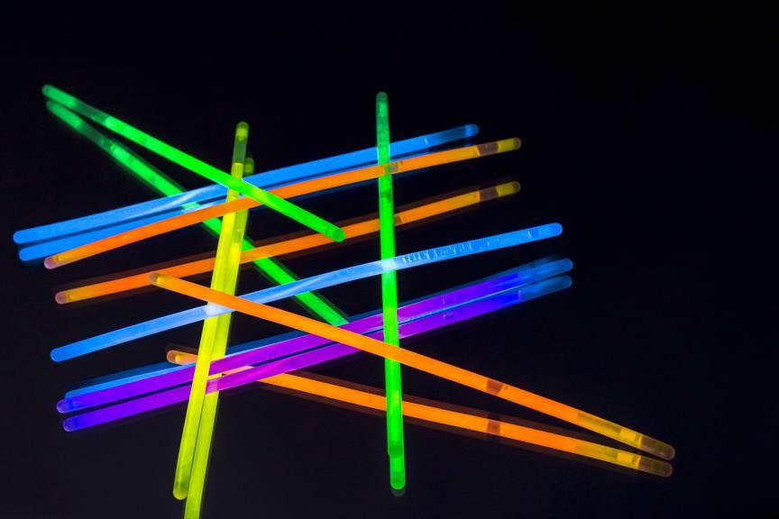 Quasi künstliche Glühwürmchen: Knick-Lichter an Partys