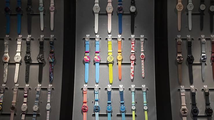 Die Uhren von Swatch waren im ersten Semester weniger gefragt als zuletzt. (Archivbild)