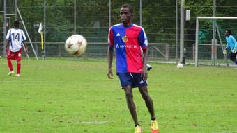 Munji Hamza Uba aus Nigeria hofft auf eine Zukunft als Fussballprofi in der Schweiz. Am Turnier «Kick für Toleranz» tritt er mit der Mannschaft DZ Selzach an.