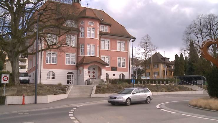 Das Gemeindehaus in Fislisbach: Hier kam es am Montag zu verbalen Drohungen gegen Mitarbeiter.