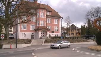 Das Gemeindehaus in Fislisbach: Hier kam es im März zu verbalen Drohungen gegen Mitarbeiter. (Archiv)