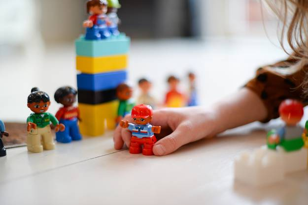 Und zwar können Kinder ab dem Kindergartenalter zur Betreuung abgegeben werden. Das Angebot gilt während der Gemeindeversammlungen in Erlinsbach AG und SO.