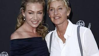 De Rossi (links) hat den Namen ihrer Partnerin angenommen