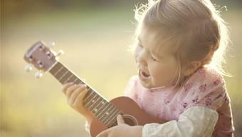 Zusammen musizieren verleiht den Kindern ein Gefühl von Zugehörigkeit.