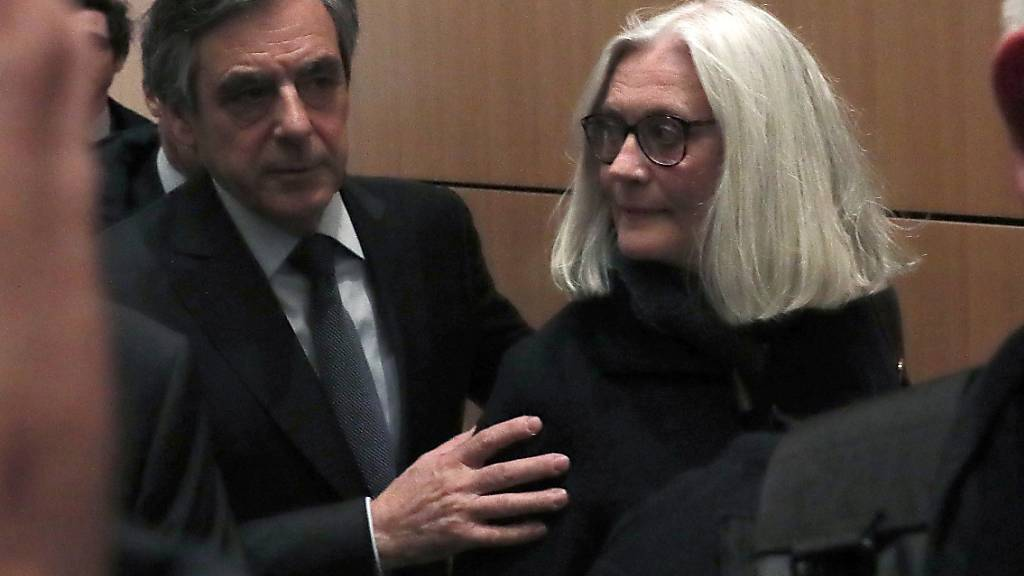 Frankreichs Ex-Premier Fillon wegen Scheinbeschäftigung vor Gericht