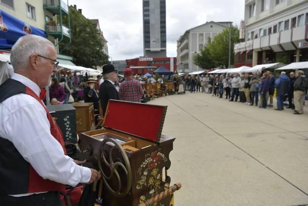 Impressionen vom Drehorgeltreffen auf dem Marktplatz Grenchen