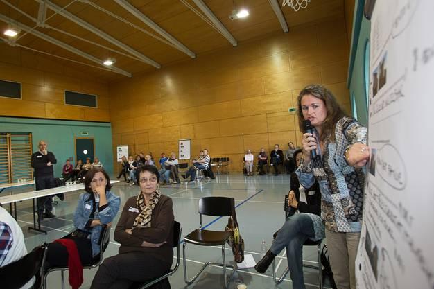 Die Gruppen präsentieren ihre Vorschläge.