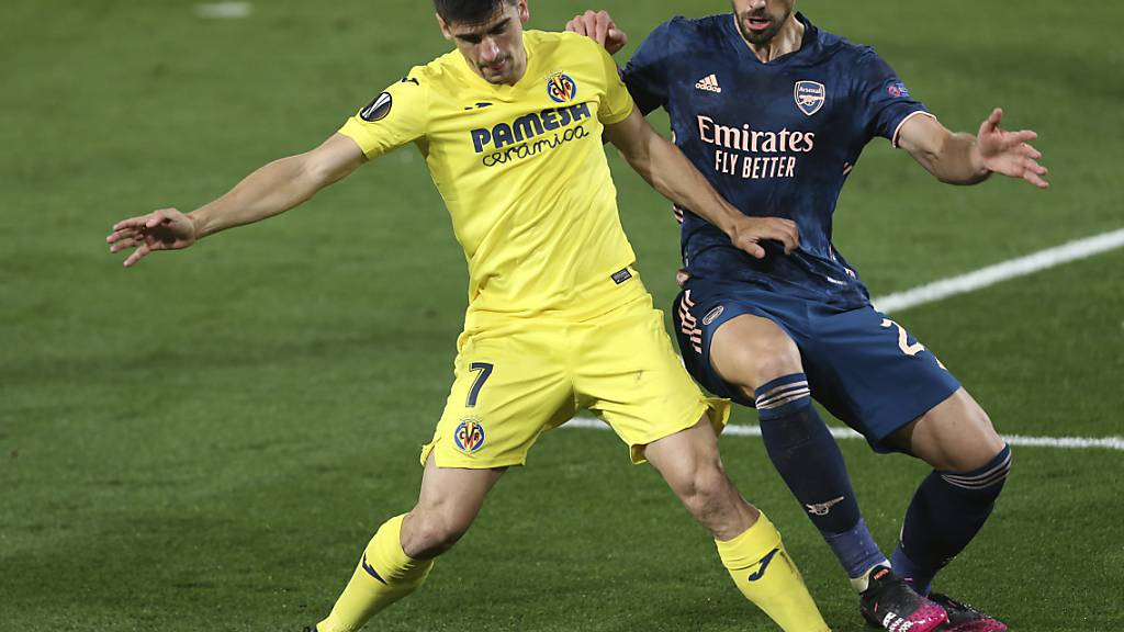Villarreals Gerard Moreno (links) gegen Arsenals Pablo Mari