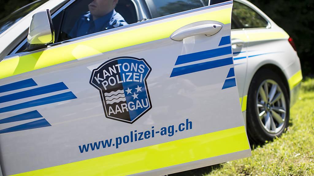 Velofahrerin verunfallt in Dottikon – Polizei sucht Autofahrer