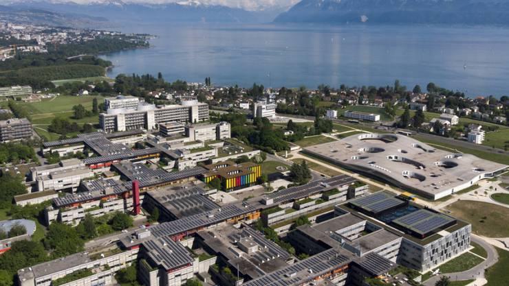 Blick auf den Campus der ETH Lausanne am Genfersee: An den Arc lémanique zog es dieses Jahr gleich drei Bundeshausfraktionen. (Archiv)