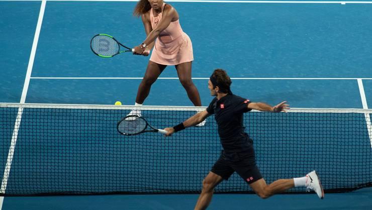 Erstmals gemeinsam auf dem Platz: King Roger und Queen Serena.
